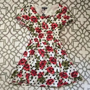 Romeo + Juliet Couture Floral Polka Dot Dress